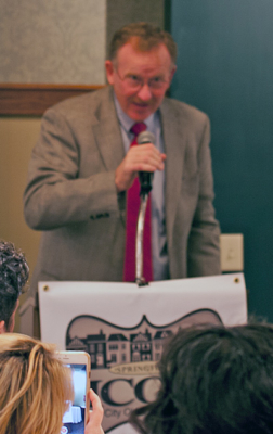 ICON Holiday Party 2017 - Good Neighbor Award for Individual - recipient Ward 7 Alderman Joe McMenamin